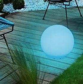Modrá solární lampa