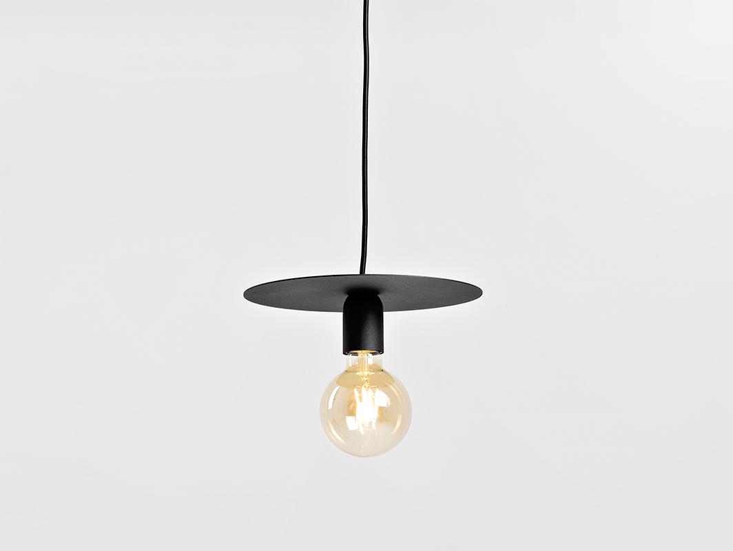 Závěsná lampa SKIVA M - černá