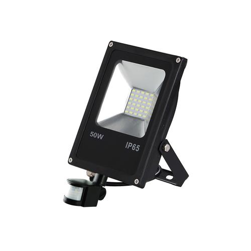 Černý LED světlomet 50 W. Barva: 6000 K. Pir