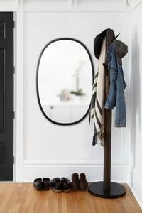 UMBRA závěsné zrcadlo HUB OVAL 24x36 - černé small 1