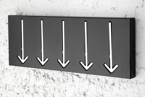 ARROW 5 závěs černý - 5 šípů