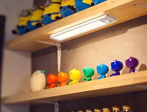 Akumulátorová LED lampa Blaupunkt LED PIR