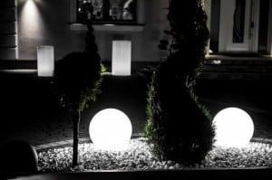 Sada tří moderních zahradních lamp Luna míč 20 cm, 30 cm, 40 cm, bílé kuličky, lesk, LED žárovky v ceně small 1