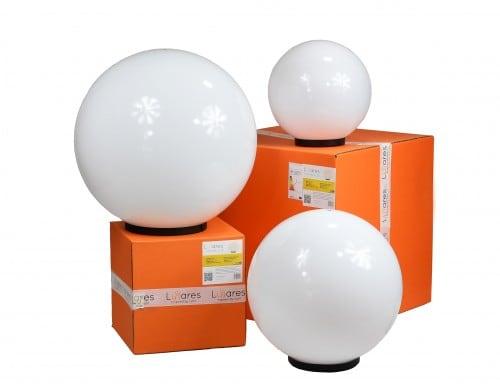 Sada tří moderních zahradních lamp Luna míč 20 cm, 30 cm, 40 cm, bílé kuličky, lesk, LED žárovky v ceně