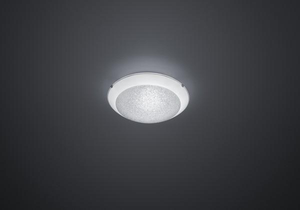 Bílý elegantní pohodlný strop