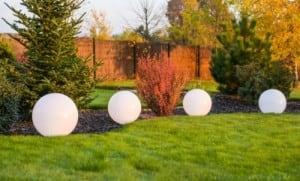 Moderní svítící zahradní kulička Luna ball 20 cm, bílá small 3