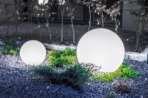 Zářící zahradní koule, kulička Luna 40 cm, osvětlení cesty, bílá, lesklá small 6