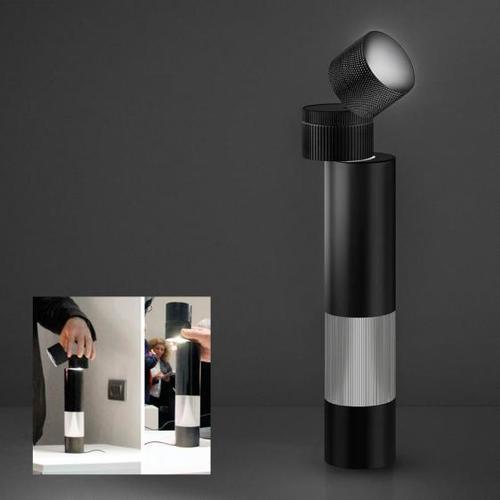 Artemide CÍLOVÁ stolní lampa