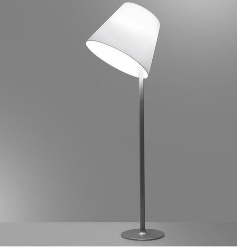 Stojací lampa Artemide MELAMPO Mega šedý hliník