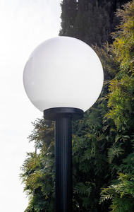Zahradní lampa stojící Měsíční lampa bílá 20 cm E27 černá sloupek 100 cm small 1