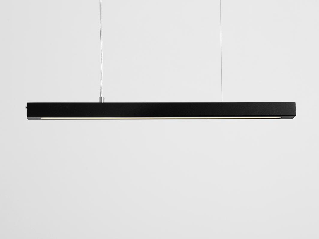 Závěsná lampa LINE PLUS M - černá