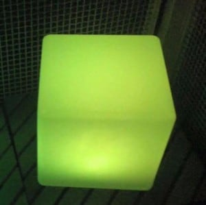 Vodotěsné solární LED Cube Garden Lamp small 2