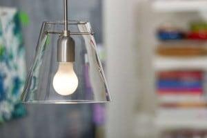 PHILIPS LED lampa 4,5W E27 230V BÍLÁ small 1