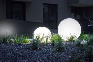 Sada dekorativních zahradních míčků - Luna Balls 20, 25, 30, 40 cm + LED žárovky small 5