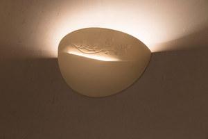 Bílá keramická nástěnná lampa BELLA small 2