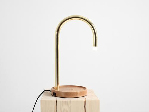 PIPER LED nabíjecí stolní lampa - mosaz