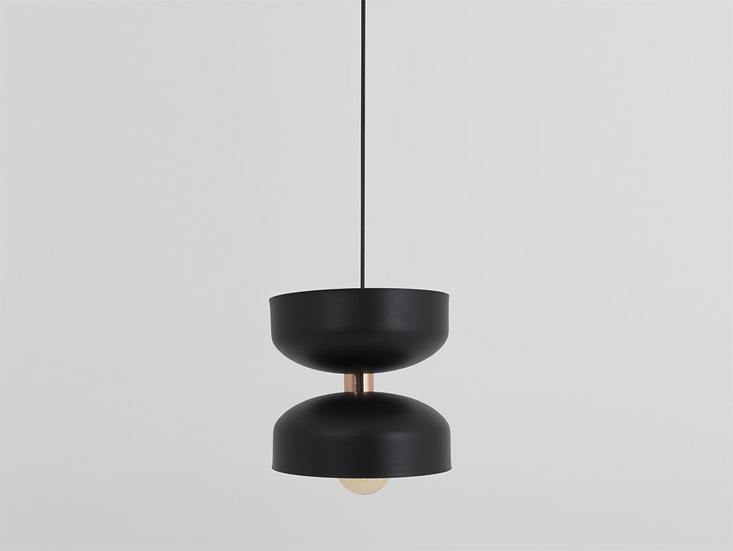 Závěsná lampa WOMAN S - černá